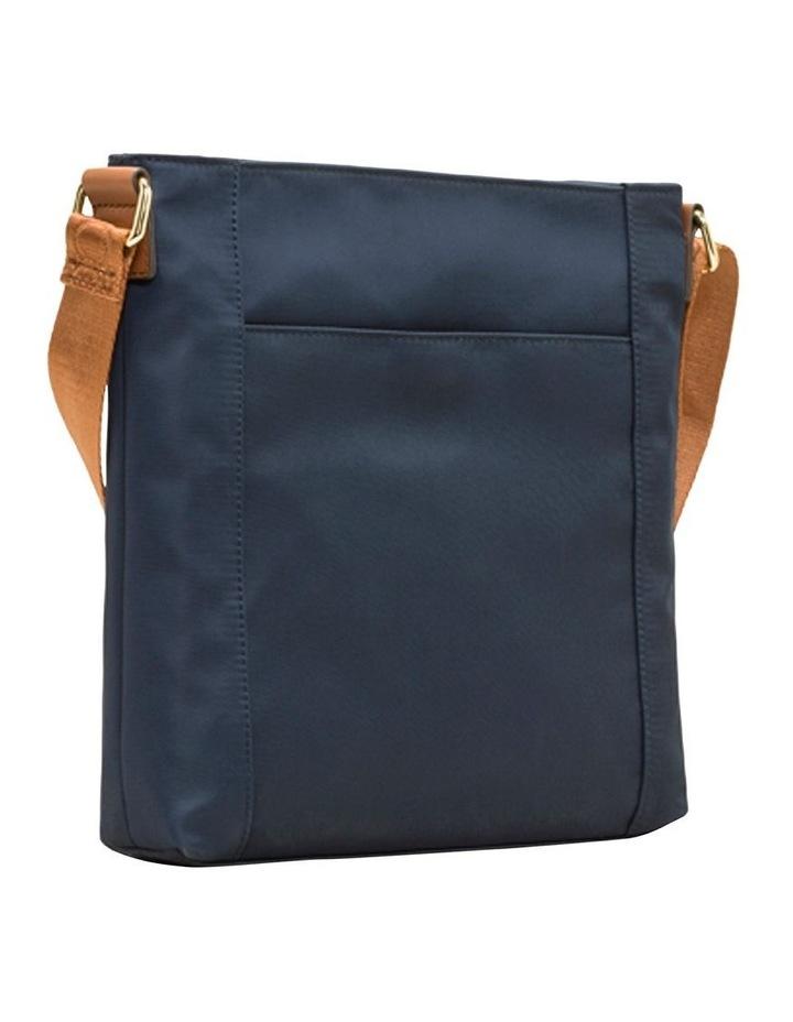 H9GFEGP1_NVY Belfast Zip Top Crossbody Bag image 2