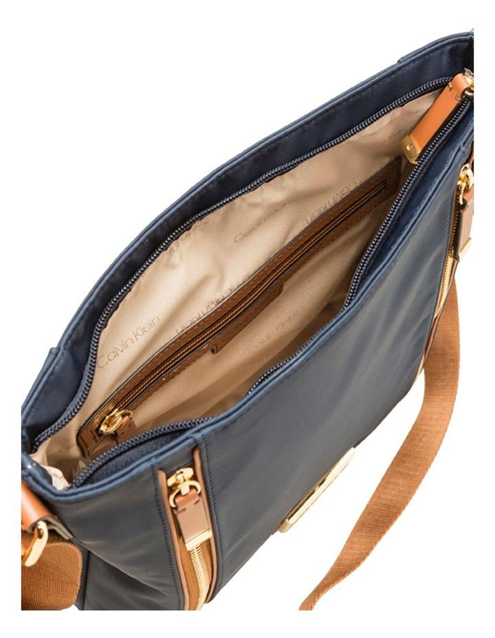 H9GFEGP1_NVY Belfast Zip Top Crossbody Bag image 3