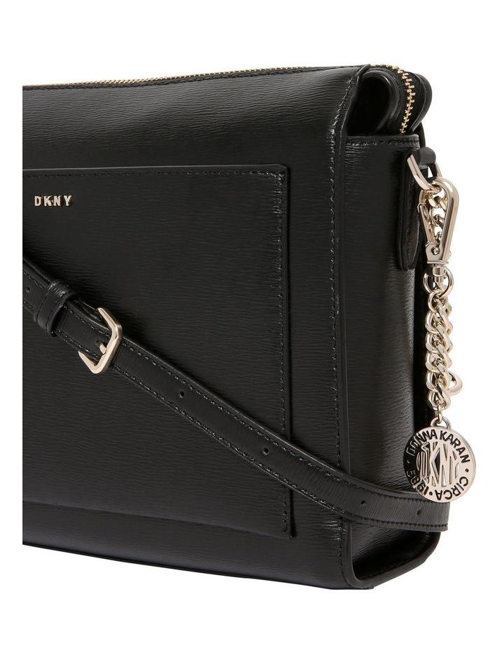 R74E3005 Bryant Zip Top Crossbody Bag image 3