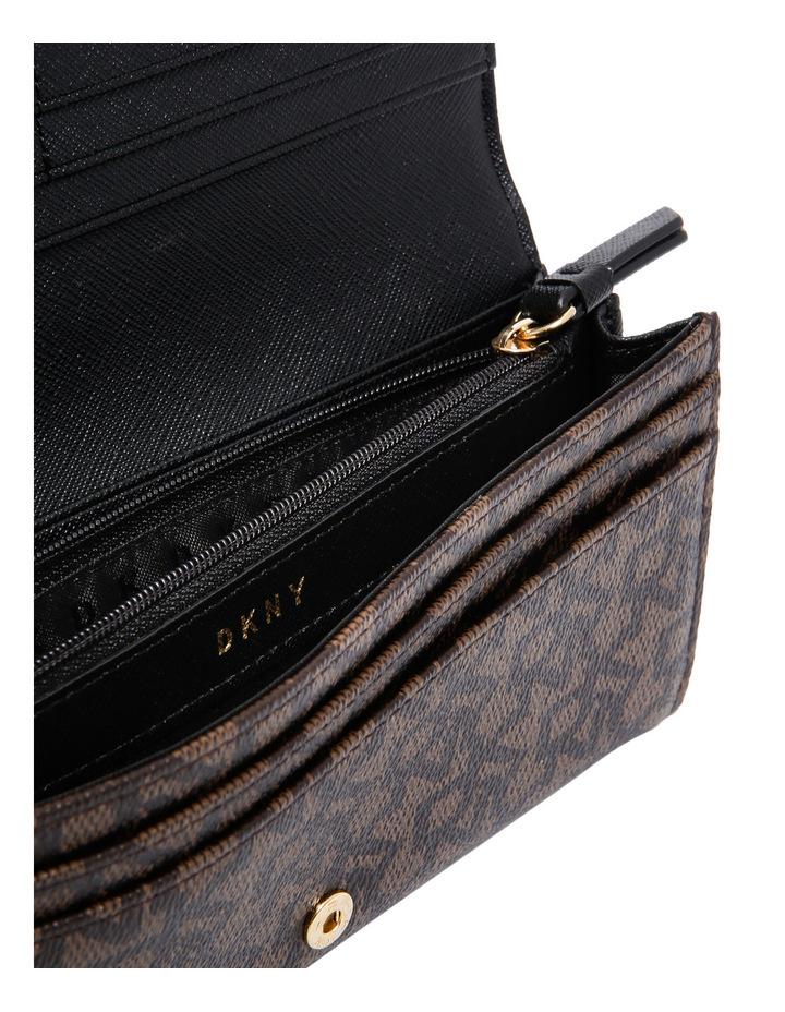 R741J099 Large Carryall Print Wallet image 4