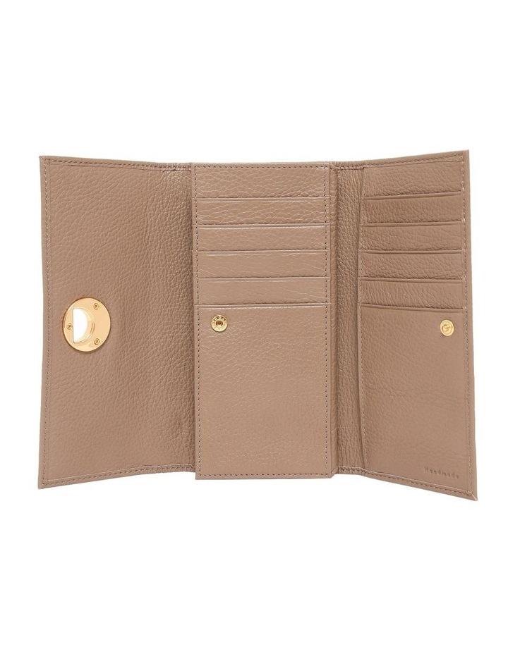 Liya Tri-Fold Wallet E2 DD0 11 46 01 image 3