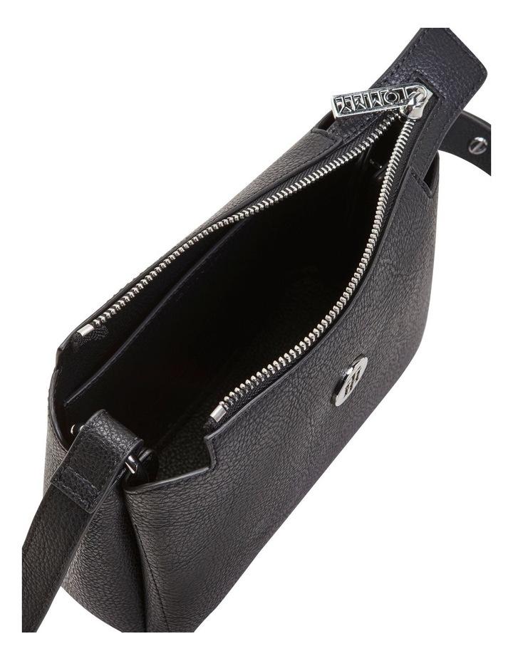 AW0AW08760_BDS TH CORE Zip Top Crossbody Bag image 3