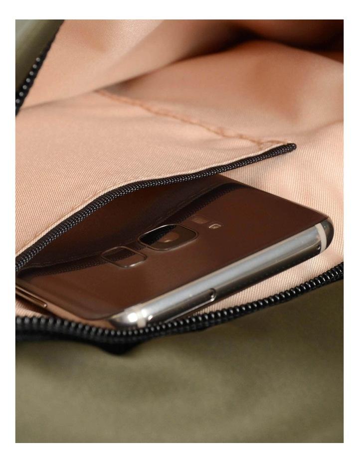 HNOV 03 Gravity Zip Top Crossbody Bag image 7