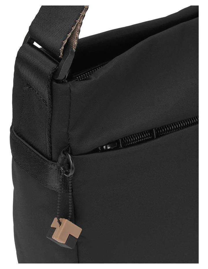 HNOV03.003 GRAVITY Zip Around Crossbody Bag image 3