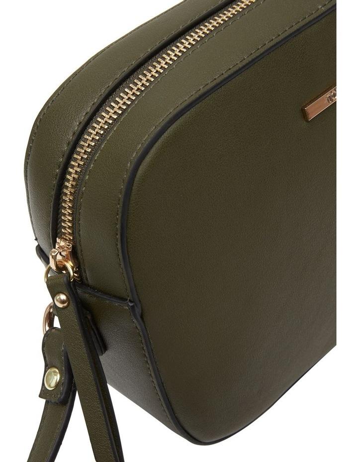07190 Arnold Zip Top Crossbody Bag image 5