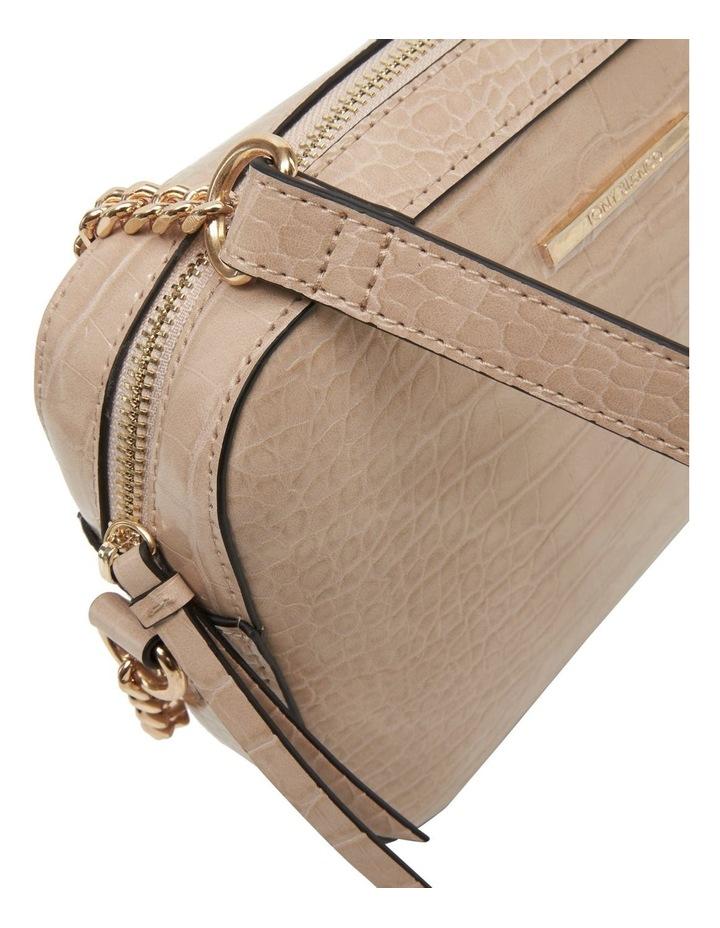 07290 Clive Zip Top Crossbody Bag image 4