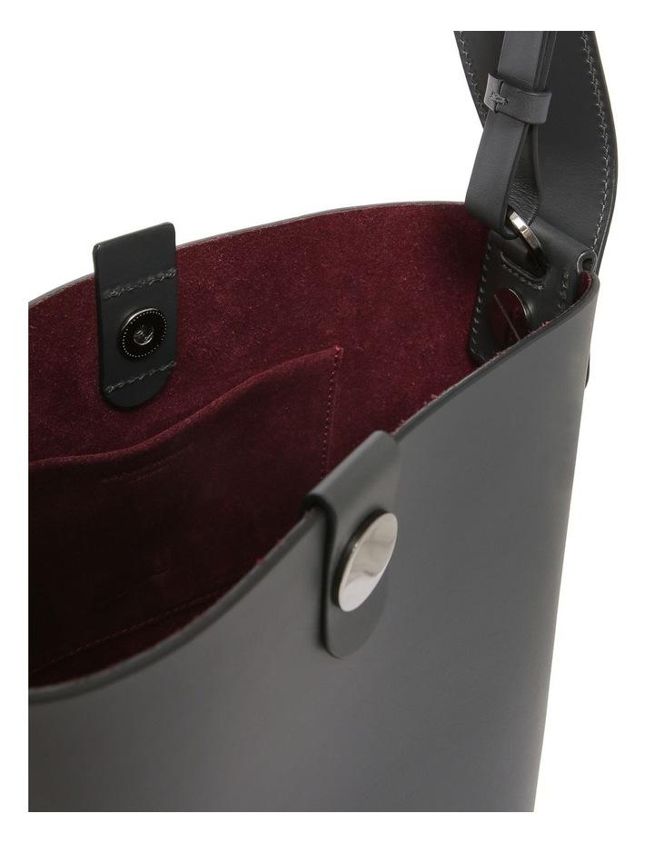 BG271LE The Swing Medium Bucket Shoulder Bag image 4