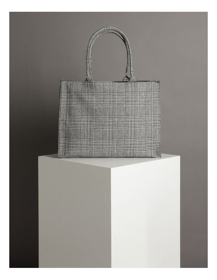 ID6209 Square Checked Large Tote Bag image 5