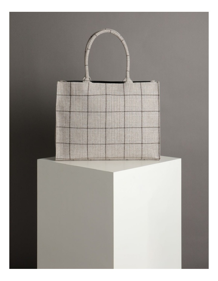 ID6209 Square Checked Large Tote Bag image 4