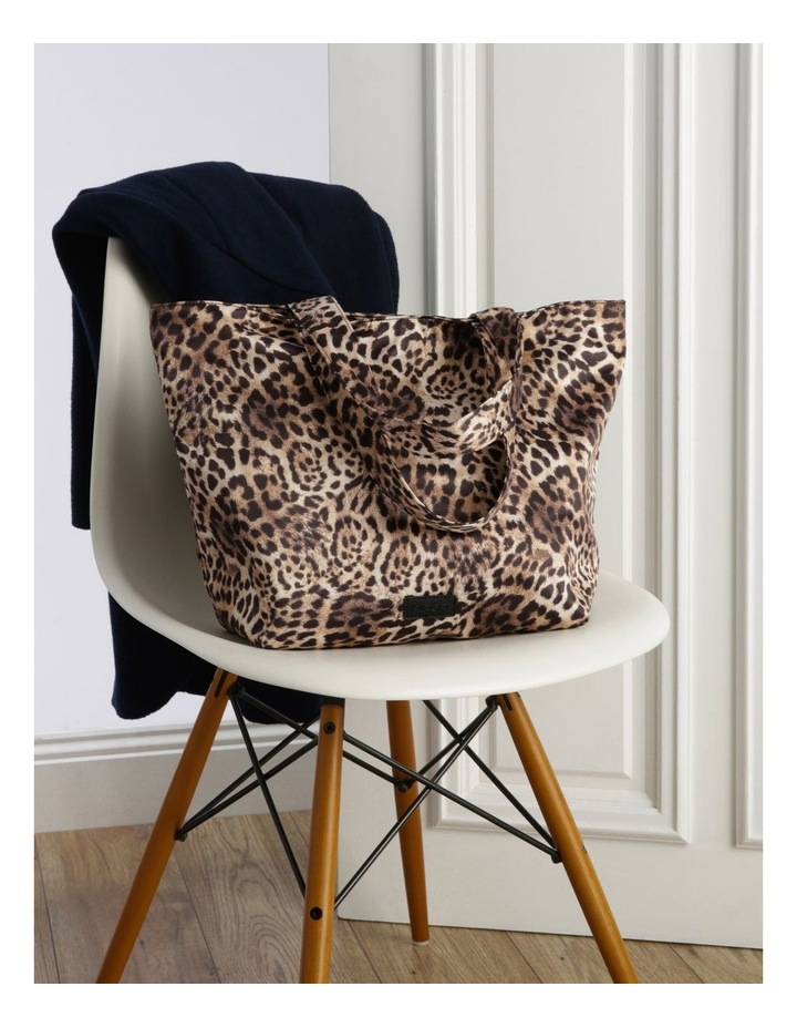 Leopard Double Handle Assorted Tote Bag image 5