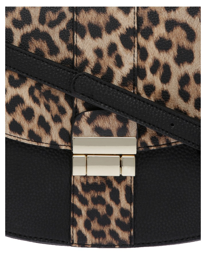 JAGWH678 Boston Flap Over Crossbody Bag image 3