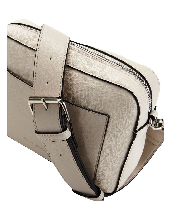 07524 Phillip Zip Top Crossbody Bag image 3