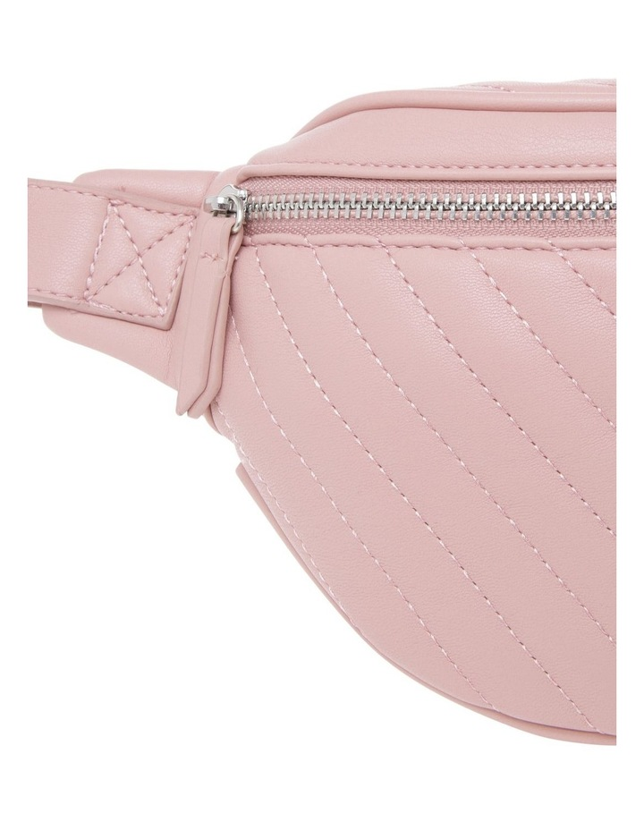 EBG10855 Quilted Belt Bag image 3