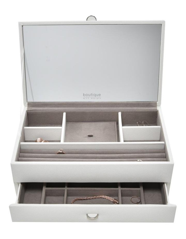 Boutique Medium Box image 2