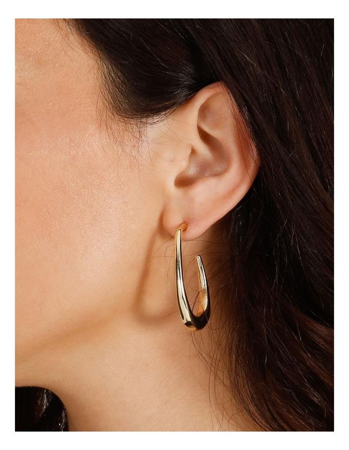 Sculptured Oval Gold Hoop Earrings image 2