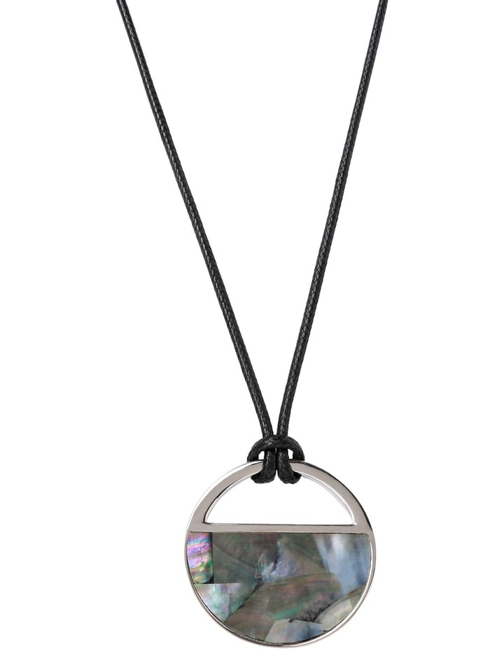 A66228BA Grey Haze Circle Shell Pendant with Western Tie in Silver image 1