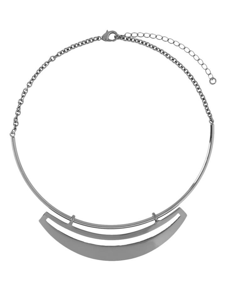WCHSW17NL25 Sleek Metal Cutout Plate Collar Necklace image 1