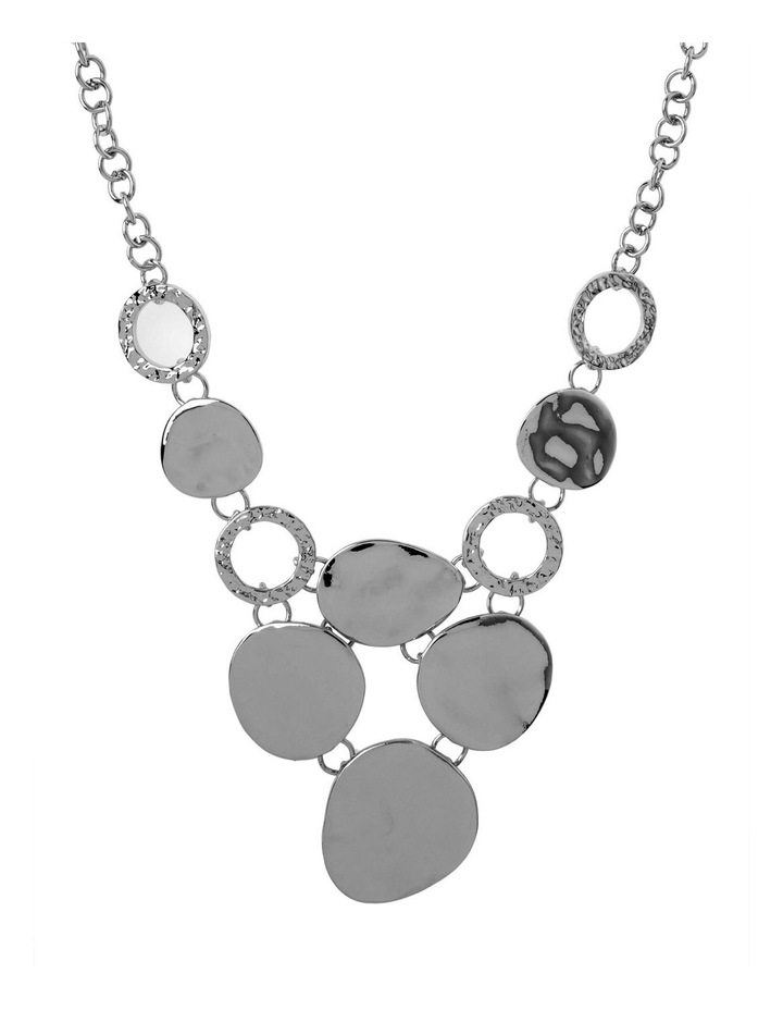 Ringed Metallic Short Necklace image 1