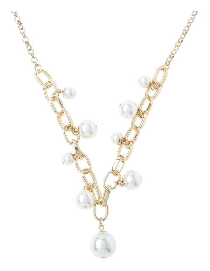 Short Pearl Necklace With Link Detail image 1