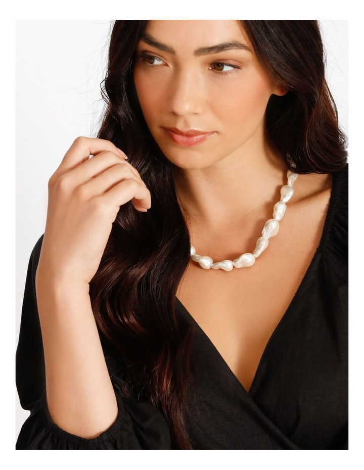 Freshwater Pearl Short Necklace image 2