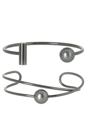 Wayne Cooper - WCGEW17BG100 Modern Pearl Wired Pearl Bracelet Set