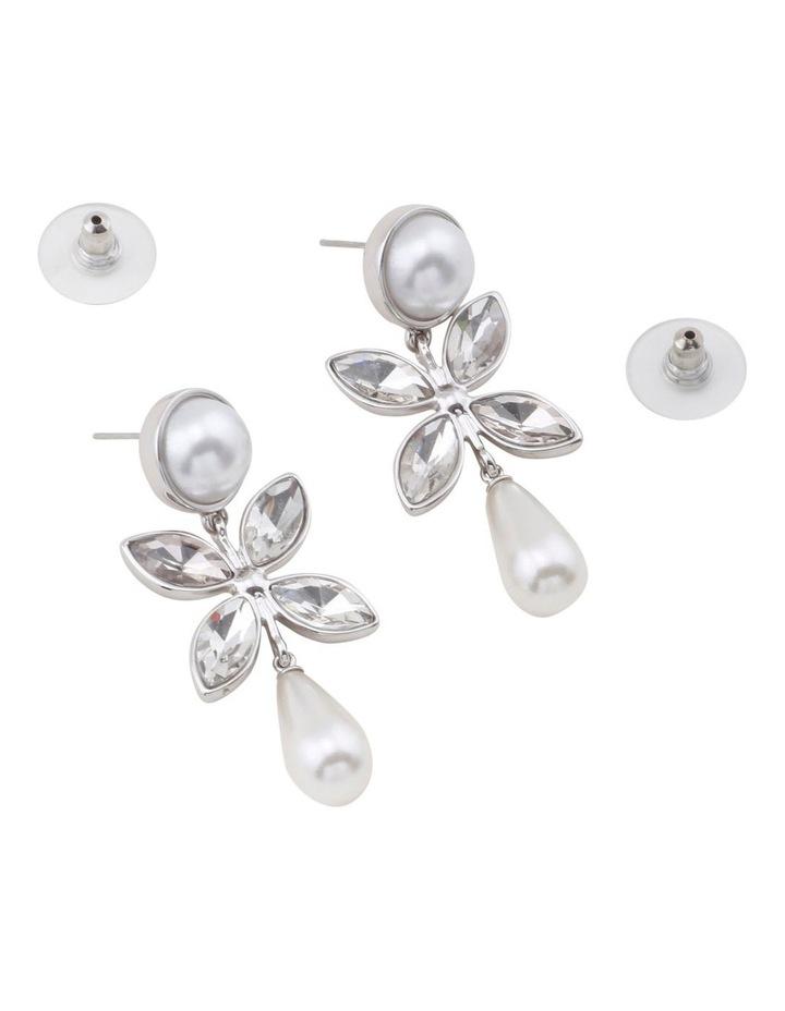 Sarah Pearl Earring image 2