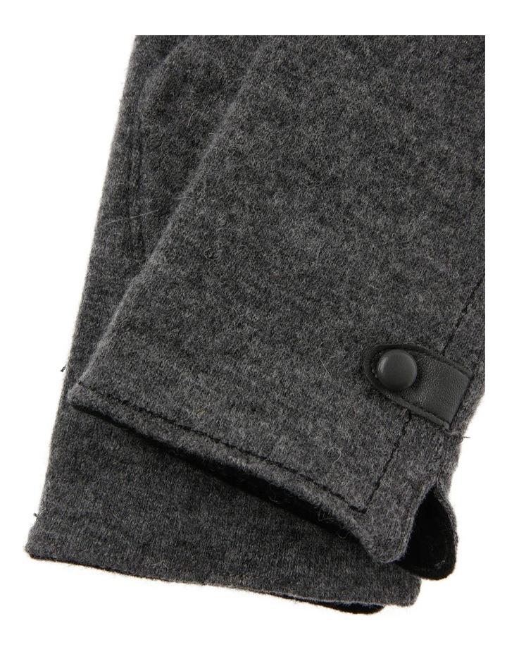 Basic Gloves image 2