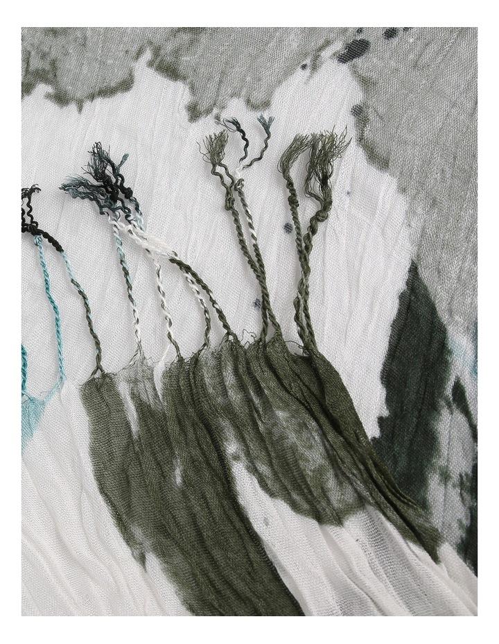 Crinkle Scarf -Print image 2