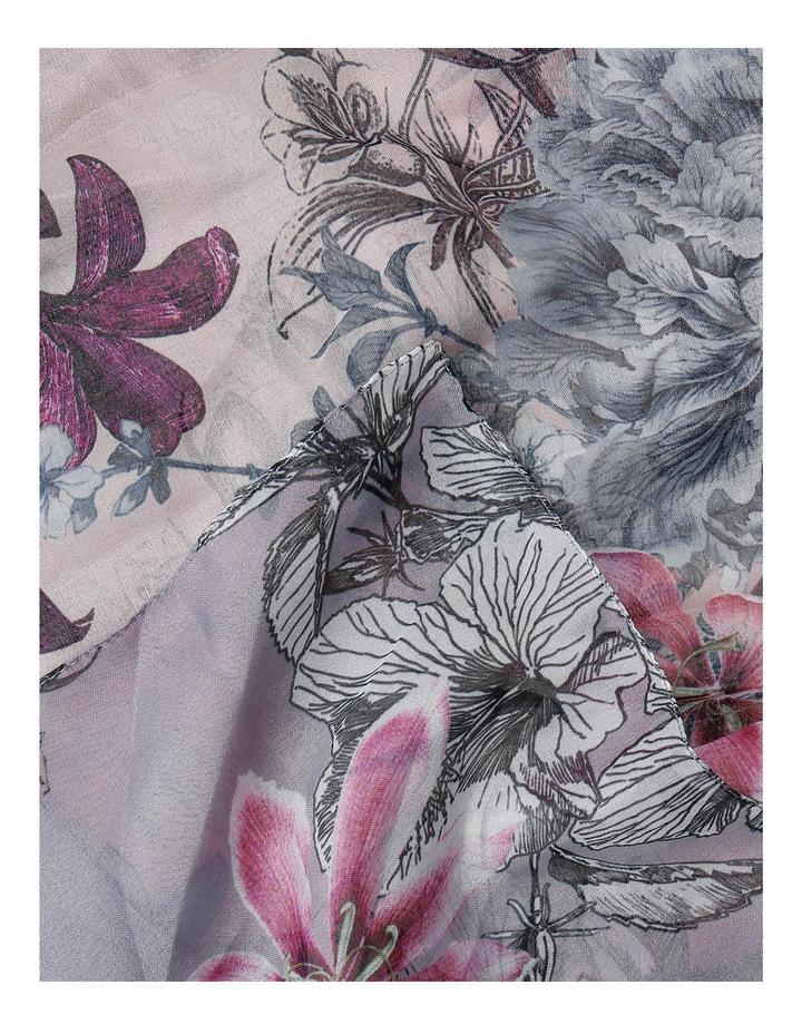 5068/X1703 Pretty Floral Scarf image 2