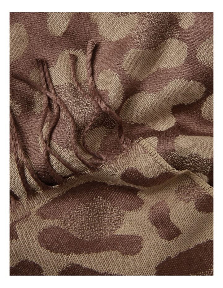 Reversible Jacquard Leopard Winter Scarf image 2