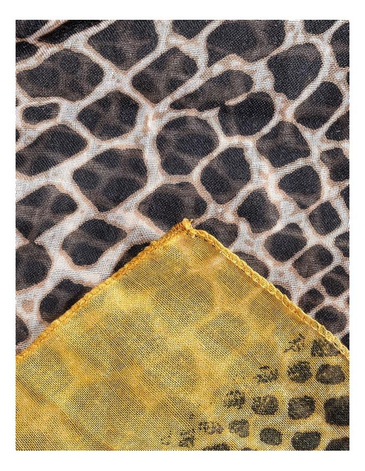 GNKQ045M Animal Border Scarf image 2