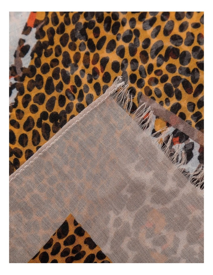 GNKR007M Animal Print Scarf image 2