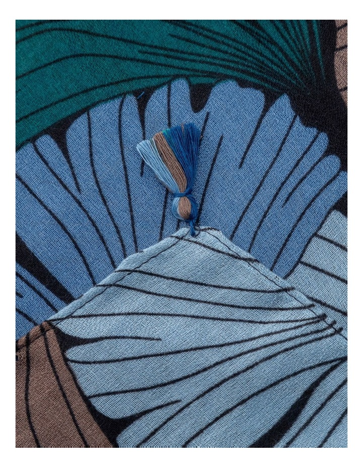 GNKS090M Large Blue Print W/ Sml Tassel Scarf image 2