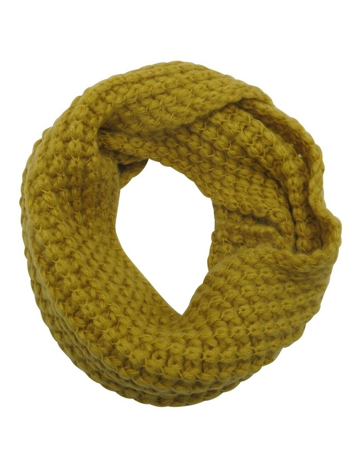 SC001 Eve Fuzzy Knit Cable Snood image 1