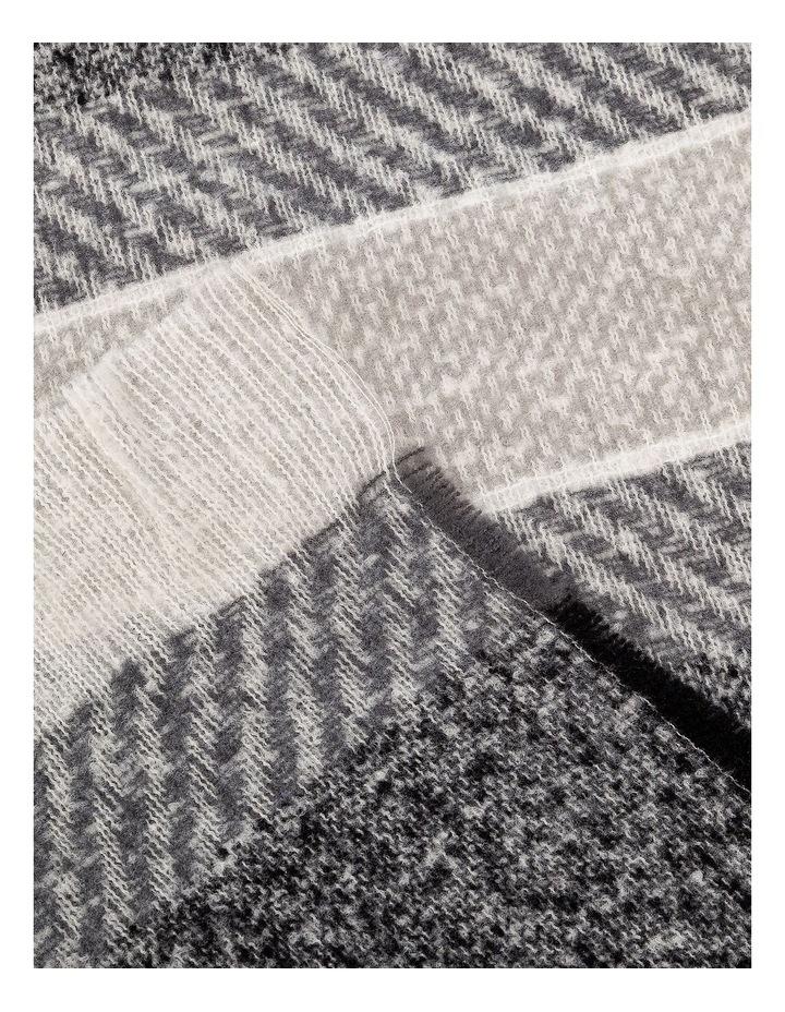 GNKS095M Grey Stripe Winter Scarf image 2