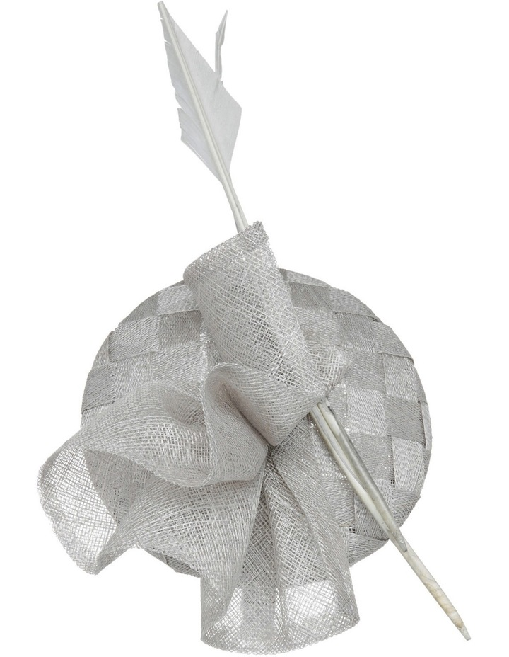 Lattice Pad With Gathered Twist And Arrow Feathers image 2