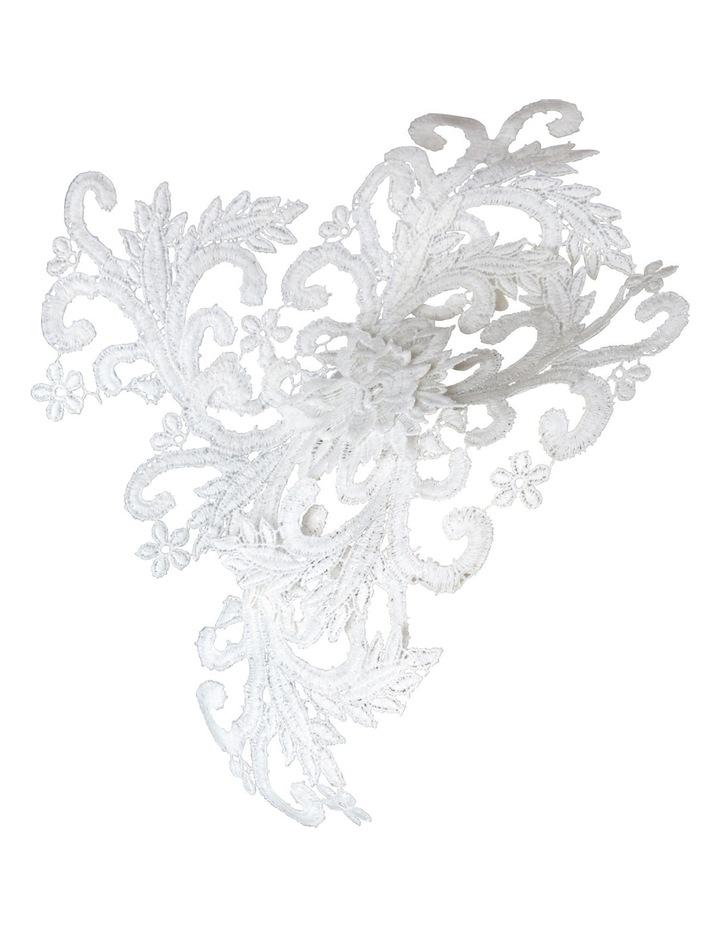 Large Lace On Band image 2