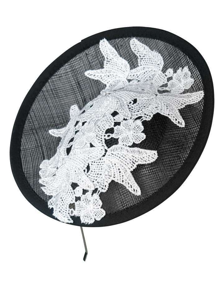 Lace On Small Plate image 1