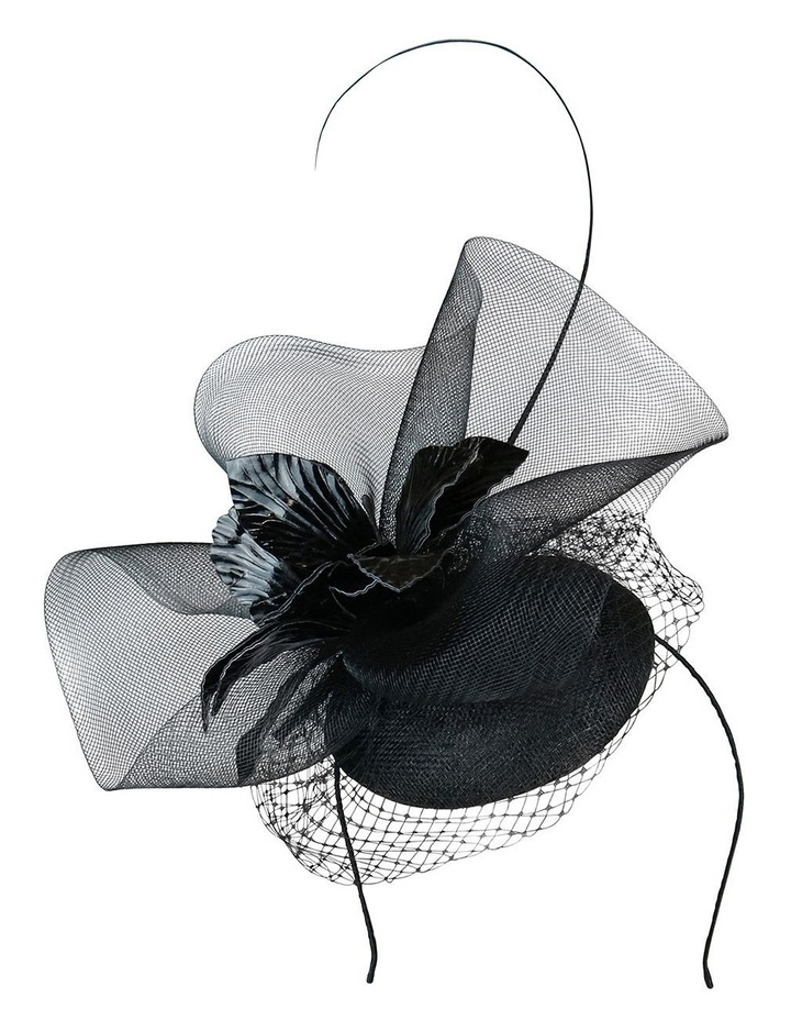 Sinamay Beret With Crin Ruffle And Pu Flower image 1
