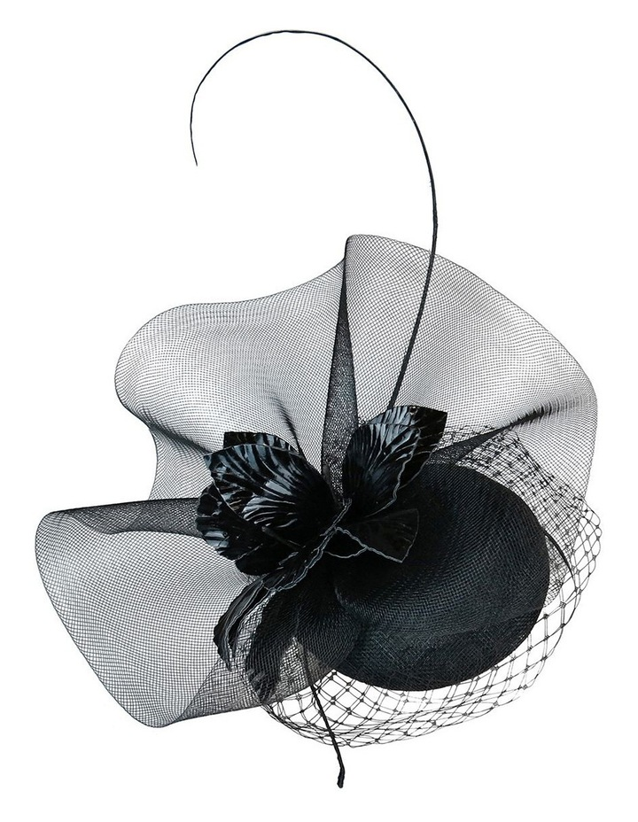 Sinamay Beret With Crin Ruffle And Pu Flower image 3