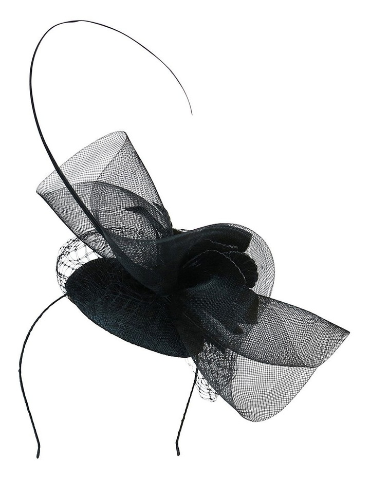 Sinamay Beret With Crin Ruffle And Pu Flower image 5