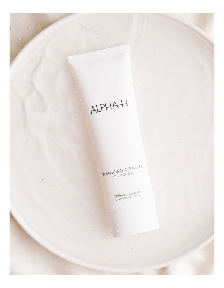 Balancing Cleanser with Aloe Vera image 6