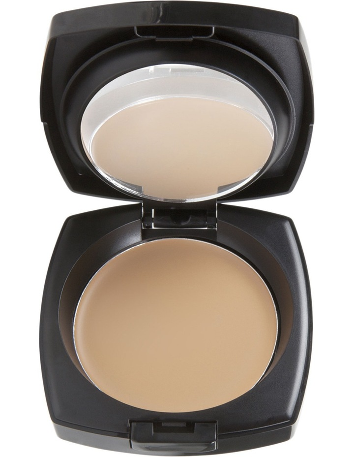 Cream to Powder Foundation image 1