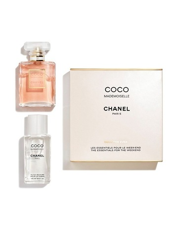CHANELCOCO MADEMOISELLEThe Essentials For The Weekend. CHANEL COCO  MADEMOISELLE The Essentials For The Weekend 2cf02d6ad9