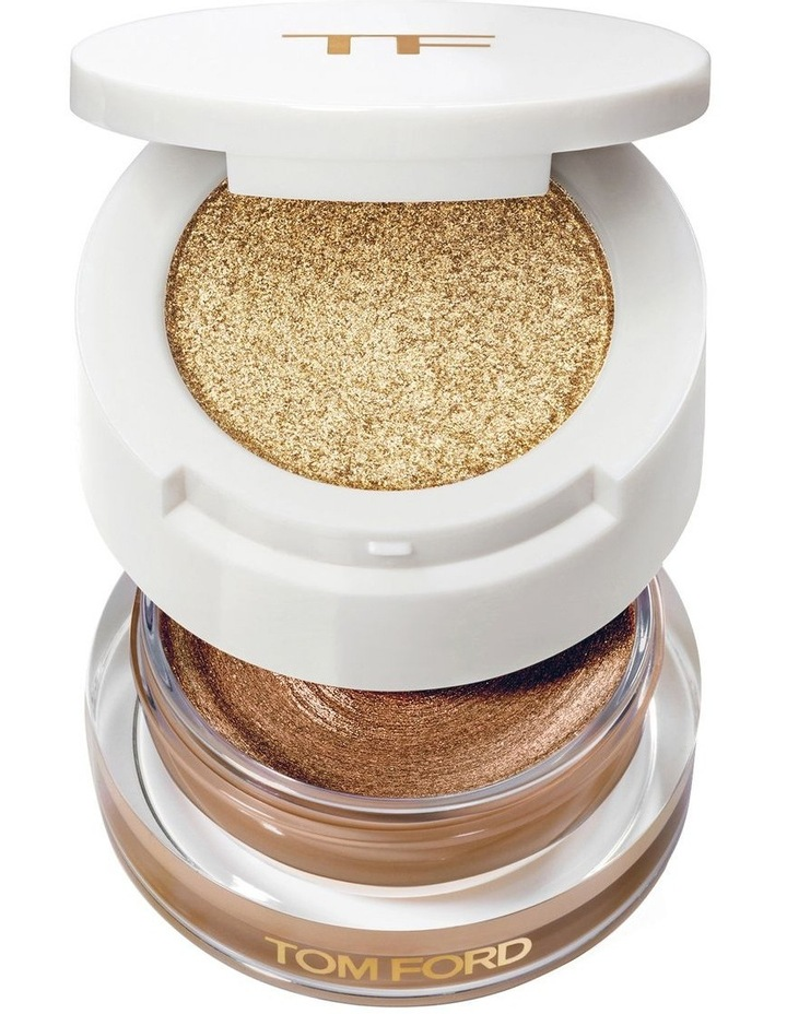 Cream and Powder Eye Color image 1