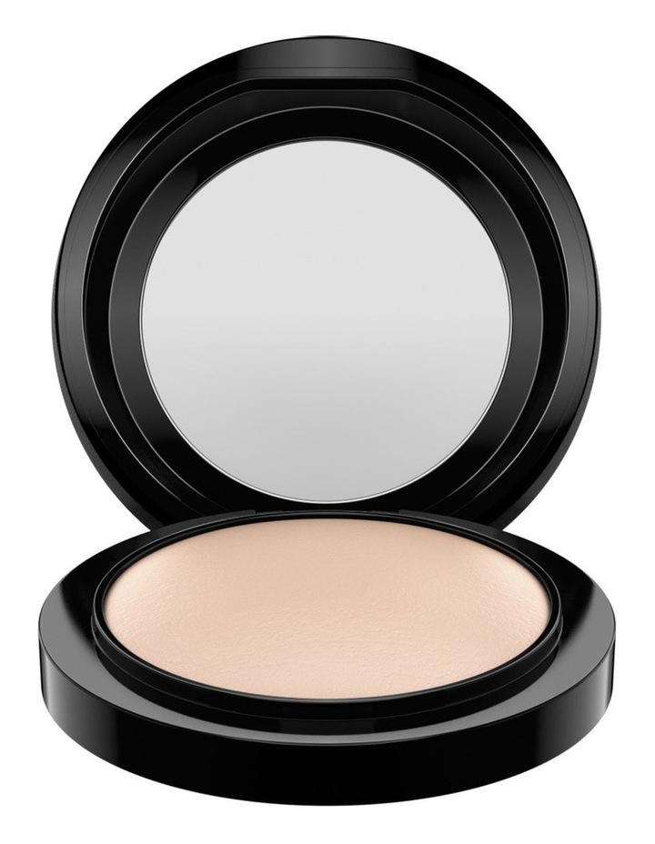 Mineralize Skinfinish Natural by M.A.C
