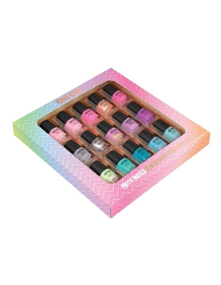 Pretty Pastels 15 Piece Nail Set image 2