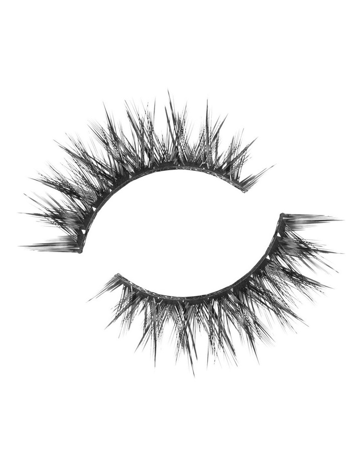 Look Real Faux Lashes - Dramatic - Giselle image 3