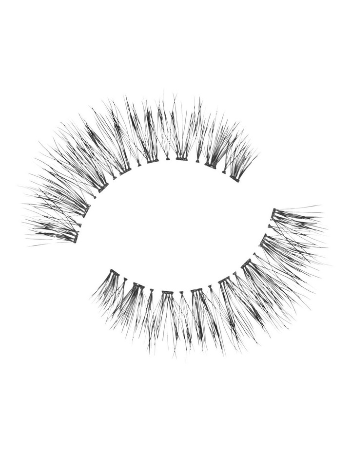 Look Real Faux Lashes - Natural - Amber image 3