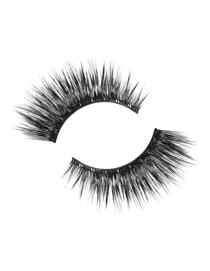 Look Real Faux Lashes  - Dramatic  - Sophia image 3